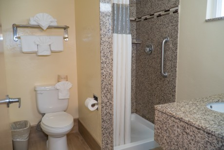 One Queen Private Bathroom